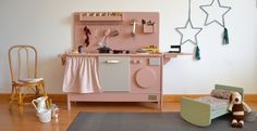 Discovering Macarena Bilbao and her Delightful Wooden Toys http://petitandsmall.com/macarena-bilbao-interview/