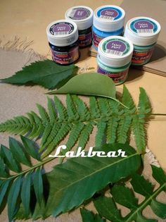 Lakbear has shared 1 photo with you! Handmade Stamps, Plant Leaves, Fabric, Photos, Diy, Painting, Tejido, Tela, Pictures