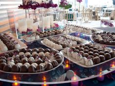 The Tres Chic Bride: Cake? Pops? Wedding Cake Pops!