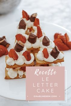 Recette de letter et number cake facile et léger pour un anniversaire tendance ! Paint Colors, Waffles, Blogging, Cheesecake, Breakfast, Birthday, Desserts, Food, Chantilly Cream