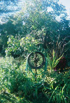 Spoke Wheel Garden Hose Hanger