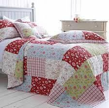 Luxury cotton quilted bedspreads, bed throws and patchwork quilts for your dream bedroom. Our beautifull bedspreads and quilts are in stock.