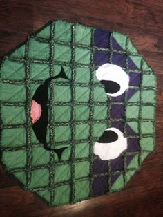 Would be neat for the floor of D's room. Baby Rag Quilts, Flannel Quilts, Boy Quilts, Quilting Projects, Quilting Designs, Sewing Projects, Sewing Ideas, Turtle Quilt, Rag Quilt Patterns