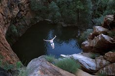 The 5 Best Cliff Jumping Spots In Australia - Boss Hunting Places Around The World, Around The Worlds, Diving World, Diver Tattoo, Australian Road Trip, Cliff Diving, Countries Of The World, The Incredibles, Adventure