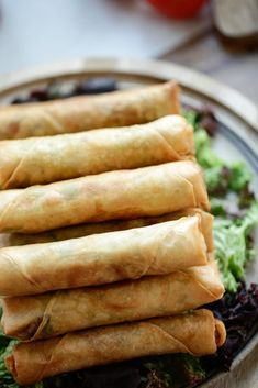 Spring roll with minced meat Cooking hats - Recipes - Tapas, Confort Food, Snack Recipes, Cooking Recipes, Good Food, Yummy Food, Indonesian Food, High Tea, Asian Recipes
