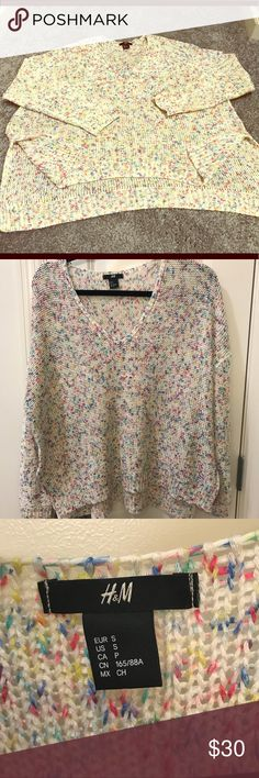 "V-Neck oversized Sweater in Sprinkle Design color EUC! H&M V-Neck oversize sweater in a ""sprinkle"" pattern. Soft material, See pics for measurements. Comfy and cozy sweater for spring! I love this but I am downsizing my closet. Open to reasonable offers. Smoke free home! H&M Sweaters V-Necks"