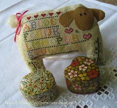 Folkart Animal Dolls, de la revista Cross Country Stitching.