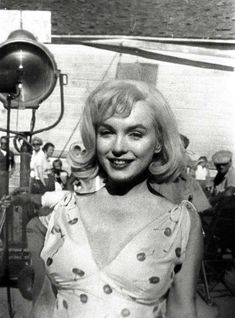 """Marilyn Monroe appears on the set of the movie """"The Misfits,"""" in this August 1960 photo, made in Dayton, Nev. During filming in the Reno area, Monroe's frequent tardiness caused annoying delays for co-stars Clark Gable and Montgomery Clift, and director John Huston. Photo: MARILYN NEWTON, AP / RENO GAZETTE-JOURNAL"""