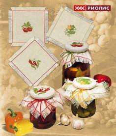 вышитые салфетки для банок – бесплатные схемы Cross Stitch Fruit, Cross Stitch Kitchen, Embroidery Bags, Embroidery Fashion, Cross Stitching, Cross Stitch Embroidery, Cross Stitch Finishing, Christmas Cross, Amigurumi Doll