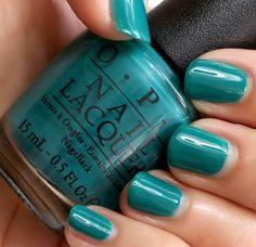 OPI AmazON...AmazOFF, a creamy deep jungle green | via Makeup and Beauty Blog