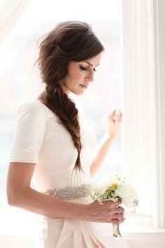 bride+with+fishtail+braids