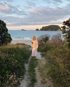 Jan 2020 - ✔ Summer Pics Ideas Alone Summer Feeling, Summer Vibes, Foto Instagram, Summer Dream, Summer Baby, Summer Aesthetic, Dream Life, Beautiful Places, Ocean