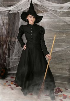 Womens Deluxe Witch Costume - FOREVER HALLOWEEN Wicked Witch Costume, Police Halloween Costumes, Soirée Halloween, Moldes Halloween, Witch Costumes, Plus Size Halloween, Halloween Outfits, Witch Cosplay, Devil Costume