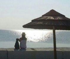 Ammirando il mare. African Beach Village. Enjoy our Doggy Village.