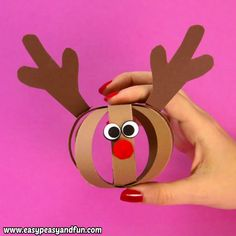 Ho, ho, ho time for a new fun and easy Christmas craft for kids – let's make a paper ball reindeer craft! basteln Ho, ho, ho time for a new fun and easy Christmas craft for kids – let's make a paper ball reindeer craft! Kids Crafts, Toddler Crafts, Kids Diy, Decor Crafts, Rustic Crafts, Preschool Crafts, Easy Crafts, Reindeer Craft, Santa Crafts