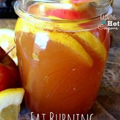 Fat Burning Detox Drink Recipe 12 oz water 2 tbls apple cider vinegar 1 tbls fresh lemon 1 tspn cinnamon 1 ply stevia raw Put all in silver bullet for about 10 sec Cut ha. Healthy Detox, Healthy Drinks, Easy Detox, Healthy Water, Healthy Weight, Vegan Detox, Healthy Snacks, Detox Recipes, Healthy Recipes