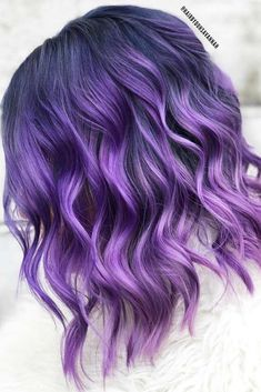 Light Purple Hair With Dark Roots ? Light purple hair is exactly what you need in case you wish to look brighter this season. We have a collection of colorful hair looks to inspire you. Dark Purple Hair Color, Light Purple Hair, Lavender Hair Colors, Violet Hair Colors, Dyed Hair Purple, Fall Hair Colors, Lilac Hair, Hair Dye Colors, Cool Hair Color