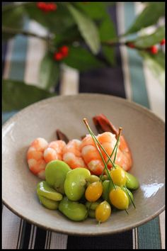 Food Plating, Japanese Food, Food And Drink, Traditional, Fruit, Vegetables, Ideas, Japanese Dishes, Vegetable Recipes