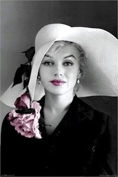 Marilyn <3 favorite picture of her ever!! I actually have this one!!