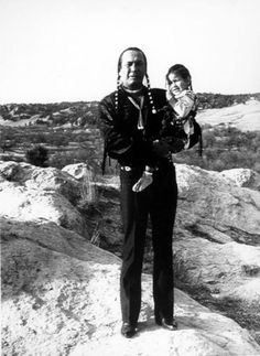 Russell Means, a former American Indian Movement activist who helped lead the 1973 uprising at Wounded Knee, reveled in stirring up attention and appeared in several Hollywood films, has died. Native American Actors, Native American Pictures, Native American Beauty, Native American History, Native American Indians, American Art, Russell Means, Banks, Michael Greyeyes