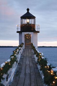 Christmas Lighthouse (Christmas and the Beach) what more could you ask for : ) // Nantucket, Massachusetts Coastal Christmas, Noel Christmas, Winter Christmas, Christmas Lights, Preppy Christmas, Purple Christmas, Christmas Island, Christmas Tables, Christmas Travel