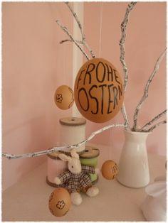 Ostern ohne Eier? Geht gar nicht. Edding raus und los gehts. Einfache Osterdeko.