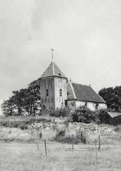 Verdwenen Dollarddorpen. Church Building, Ancient Architecture, Modern Buildings, Cabin, History, House Styles, City, Historia, Cabins