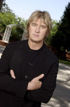 Joe Elliott - it is a special gift to cling so hard to a dream that you get to live it, mold & shape it, holding on to it your entire life. to have such faith in a vision or idea & see it come to fruition over & over in life is amazing. it comes from faith, confidence & trust...not just in yourself but in the people you love & surround yourself with. i love that about you, totally opposite of me. each goal you set & reach...makes me want to try harder to believe in me, my ideas, talents…