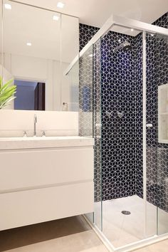 If you have a small bathroom in your home, don't be confuse to change to make it look larger. Not only small bathroom, but also the largest bathrooms have their problems and design flaws. Bathroom Design Layout, Bathroom Design Small, Bathroom Interior Design, Layout Design, Bathroom Designs, 3d Design, Bathroom Ideas, Design Ideas, Dream Bathrooms