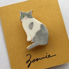 cute handmade cat pins and jewellery by Zoomie Cat Jewelry, Ceramic Jewelry, Ceramic Clay, Animal Jewelry, Ceramic Pottery, Jewellery, Polymer Clay Animals, Polymer Clay Art, Polymer Clay Jewelry