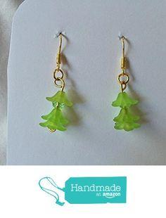 Light Green Flower and Crystal Earrings from Southern Women Crafts http://www.amazon.com/dp/B01CIQS55U/ref=hnd_sw_r_pi_dp_x8w.wb14DA3R2 #handmadeatamazon