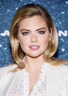 The half-copper, half-plum glint of metallic amplifies Kate Upton's smoky eye to jaw-dropping status.