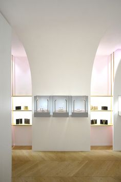 http://www.frameweb.com/news/brunoir-and-java-architecture-give-nuun-a-jewellery-box?utm_source=Frame Weekly