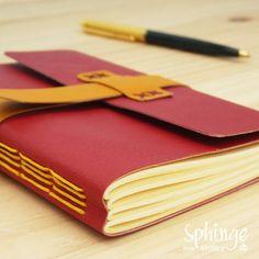 Cuaderno de notas cosido a mano
