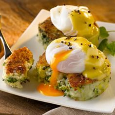 Colcannon Cakes with Poached Eggs and Hollandaise Sauce - MasterCook