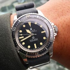 Today Rolex milsub 5517 full spec W10 issued to UK Navy in 1977 #rolex…