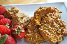 (V,GF,SF) Carrot Bread Cookies and Coconut-Banana Cookies: 2 new cookie recipes, oil free, vegan, sugar free and super easy to make! SO healthy you can have some for breakfast! http://gastrawnomica.com/2013/07/08/time-for-vegan-cookies/