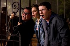"""L-r, Jack Black, Odeya Rush and Dylan Minette and star in Columbia Pictures' """"Goosebumps.""""  http://www.thevideographyblog.com/share/goosebumps/?share_image=http%3A%2F%2Fd3l9bzfuzkm13y.cloudfront.net%2Fwp-content%2Fuploads%2F2015%2F08%2Fgoosebumps-DF-04684_rgb-1310x873.jpg © 2015 CTMG. All Rights Reserved."""