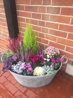 Stunning Spring Garden Ideas for Front Yard and Backyard Landscaping * aux-pa. 28 Stunning Spring Garden Ideas for Front Yard and Backyard Landscaping * aux-pa., 28 Stunning Spring Garden Ideas for Front Yard and Backyard Landscaping * aux-pa. Garden Types, Spring Garden, Winter Garden, Autumn Garden Pots, Winter Plants, Container Plants, Container Gardening, Gardening Vegetables, Front Yard Landscaping
