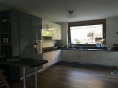 Beatiful kitchen and vero big window