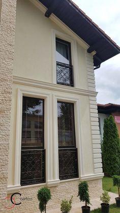 Proiect Casa Rezidentiala Arges – Profile Decorative House Window Design, House Outside Design, House Front Design, Balcony Design, Stone Exterior Houses, Dream House Exterior, Exterior House Colors, Exterior Design, Classic House Design
