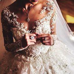 #weddingday#weddingdress#dreses#gelin#gelinlik#yaka#modeling#dantel#lace#style#hautecouture#özel#dikim#sipariş#handmade#clothing#party#bridesmaid#sposa#bride#özlem#moda#tasarım#fatih#istanbul# by ozlemmodatasasim