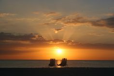 goal: gtfo of the midwest for spring break.  holmes beach, fl?  maybe yes <3