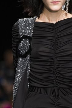 Véronique Leroy at Paris Fashion Week Fall 2017 - Details Runway Photos