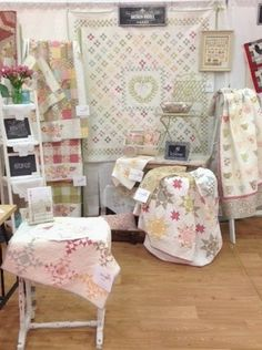 little acorns: :: fall market & the new designs…like setting of nine patch in back of booth