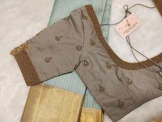 Simple Blouse Pattern, Simple Blouse Designs, Stylish Blouse Design, Saree Jacket Designs, Cotton Saree Blouse Designs, Embroidery Blouses, Churidar Designs, Hand Work Blouse Design, Designer Blouse Patterns