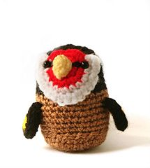 Another bird that visits me in Spring / Summer is the Goldfinch! And he's so easy to spot with its red face and black mask. Now you can have your own with this easy pattern.