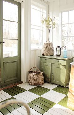 Fab floor for mudroom or breezeway - the painted floor to create a vintage house look Painted Floors, Painted Furniture, Painted Floorboards, Green Furniture, Vintage Furniture, Modern Furniture, Furniture Design, Vibeke Design, Style Deco
