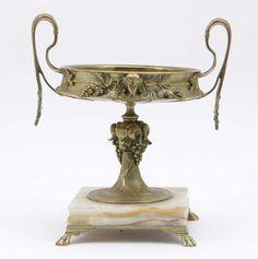 Coupe Fraai bewerkte coupe op onyx voet 26 cm hoog 25 cm breed — Skulpturen, Plastiken, Installationen, Bronzen, Relief