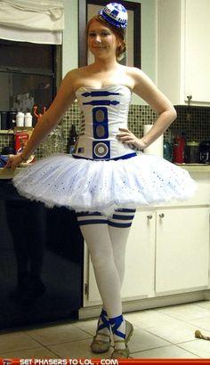 R2-Tutu. Hahaha